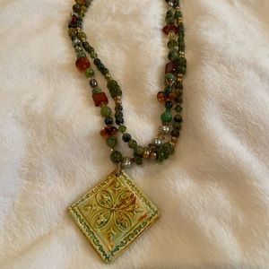 Jewelry - Ornate gorgeous hand made necklace pendant
